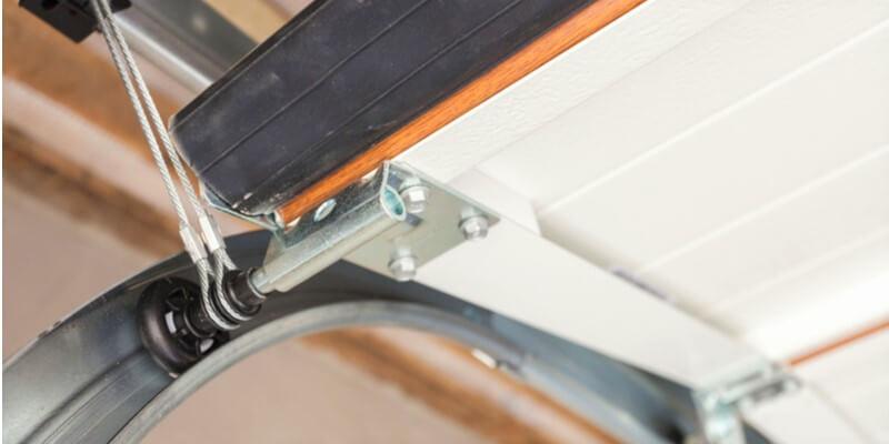 garage door cable snapped - Supreme Garage Door Repair