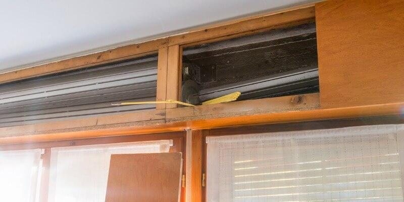 garage door screen repair - Supreme Garage Door Repair