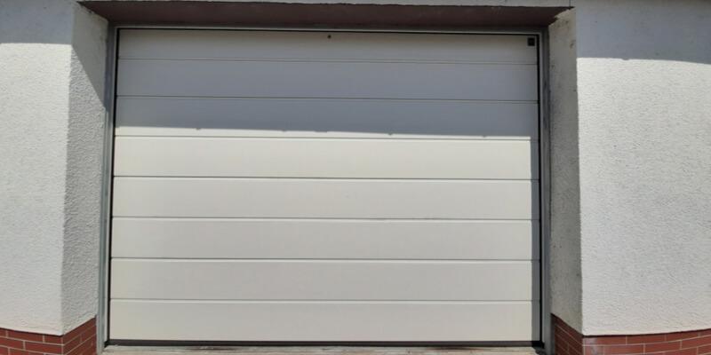 repair garage door - Supreme Garage Door Repair